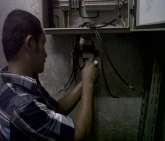 pemasangan Flashtrab pada Main Distribution Panel 1