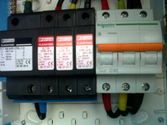 pemasangan Flashtrab pada Main Distribution Panel 2